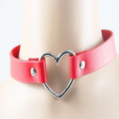 Чокер кожаный с сердцем красный