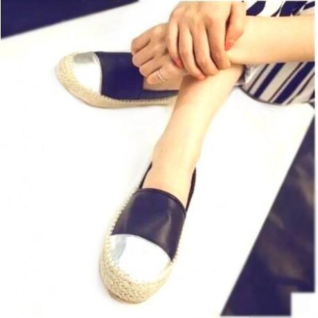 Туфельки на плоской подошве