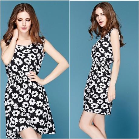 Платье с ромашками