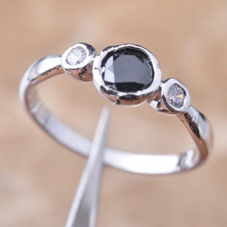 Кольцо с камнем