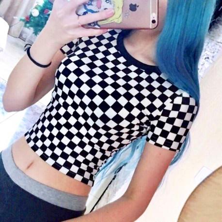 Шахматная футболка женская