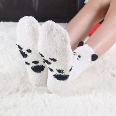 Белые пушистые носки с котиками