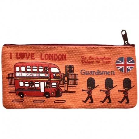 Оранжевый пенал с надписью I Love London