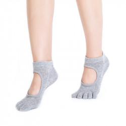 Нескользящие носки с пальцами