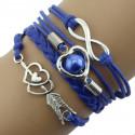 Синий плетеный браслет