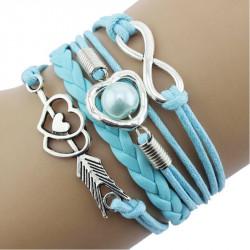 Голубой плетеный браслет