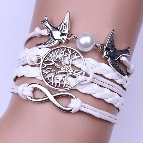 Белый плетеный браслет