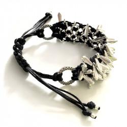 Черный плетеный раздвижной браслет с шипами